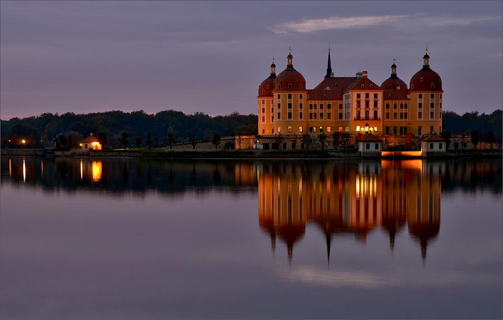 Am Moritzburger Schloss ...