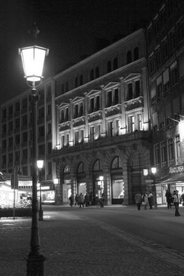 Am Münchner Victualienmarkt bei Nacht