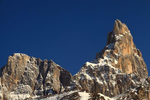 Am Passo Rolle ... Wie heißt dieser beeindruckende Berg