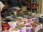 Am Rande des Xiangyang Marktes...