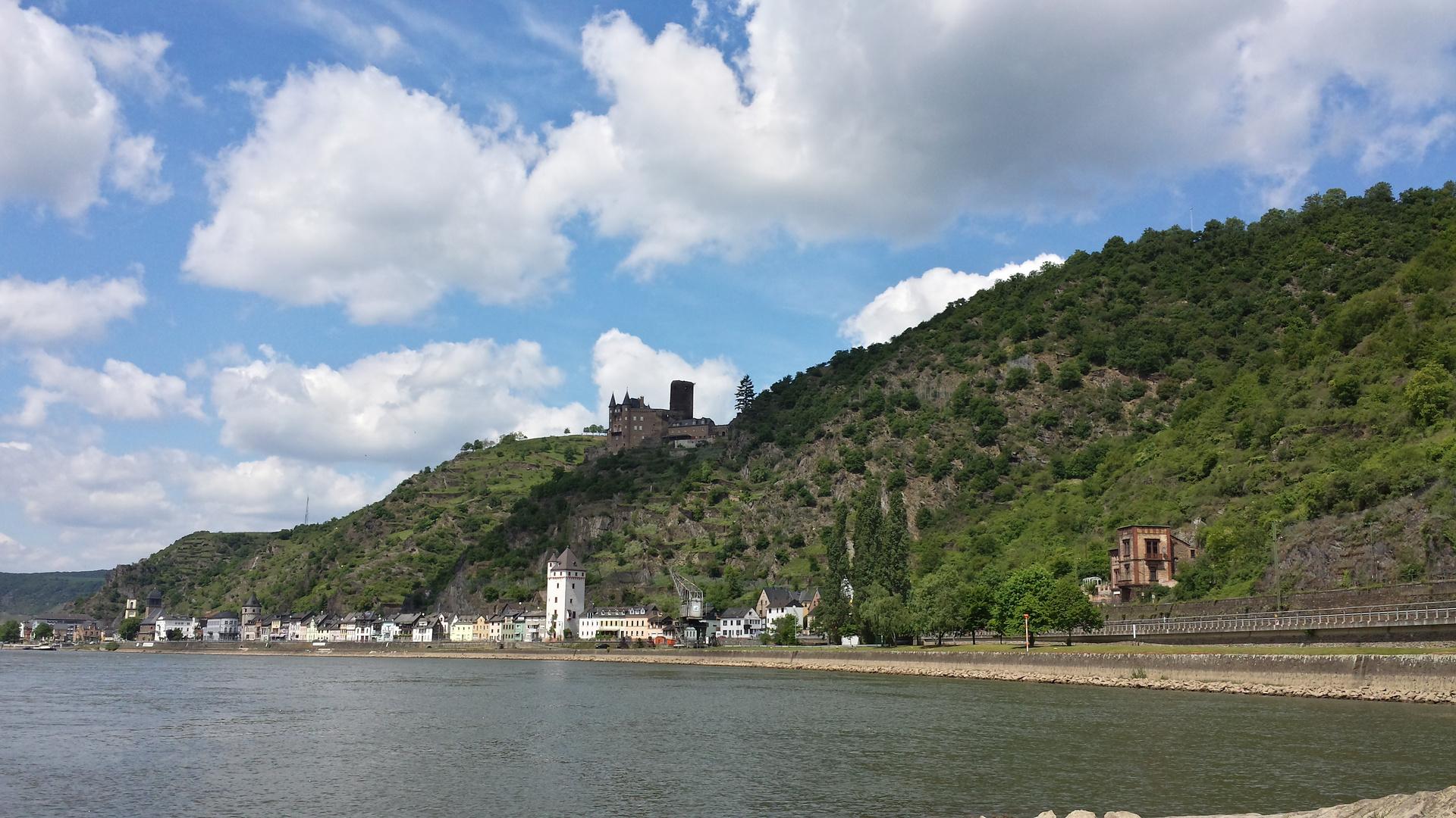Am Rhein entlang Richtung Koblenz