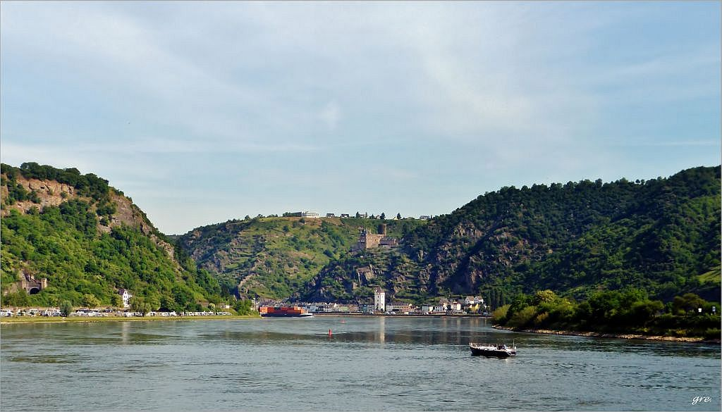am Rhein unterwegs*