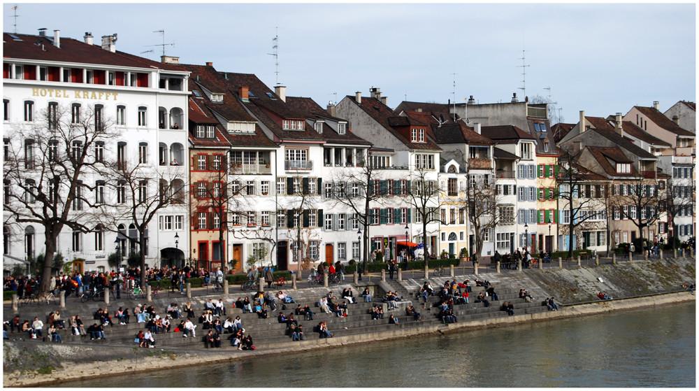 """... am """" Rheinufer """" sitzen und die Sonne genießen...."""
