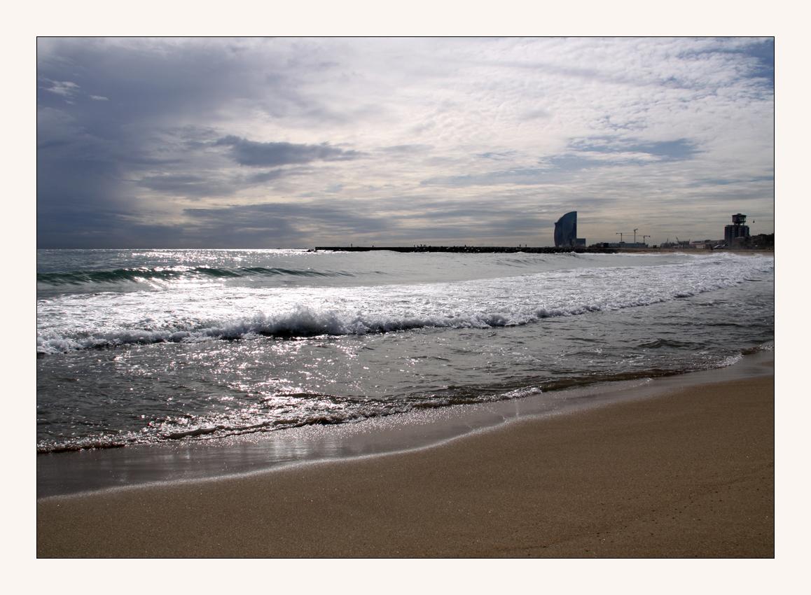 am Strand in Barcelon