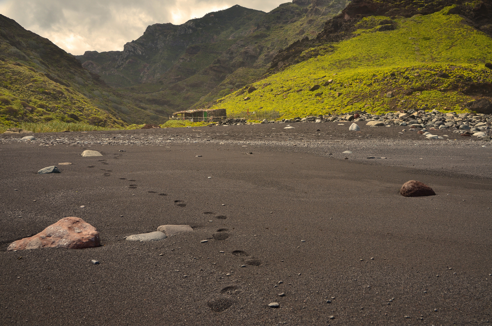 Am Strand unterhalb von Afur (Anaga-Gebirge)