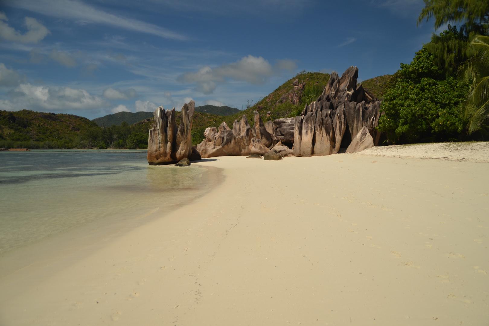 Am Strand von Courieuse Island