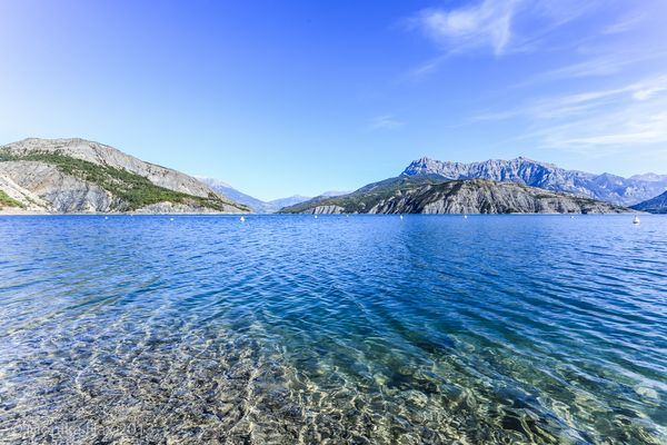 Am Ufer des Lac de Serre-Ponçon