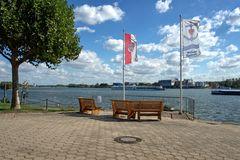 Am Wallufer Rheinufer