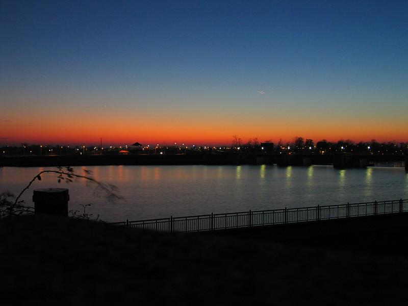 Am Weserwehr zur blauen Stunde