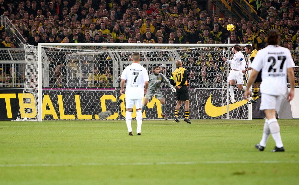 Amanatidis zum 1 : 0 für Frankfurt
