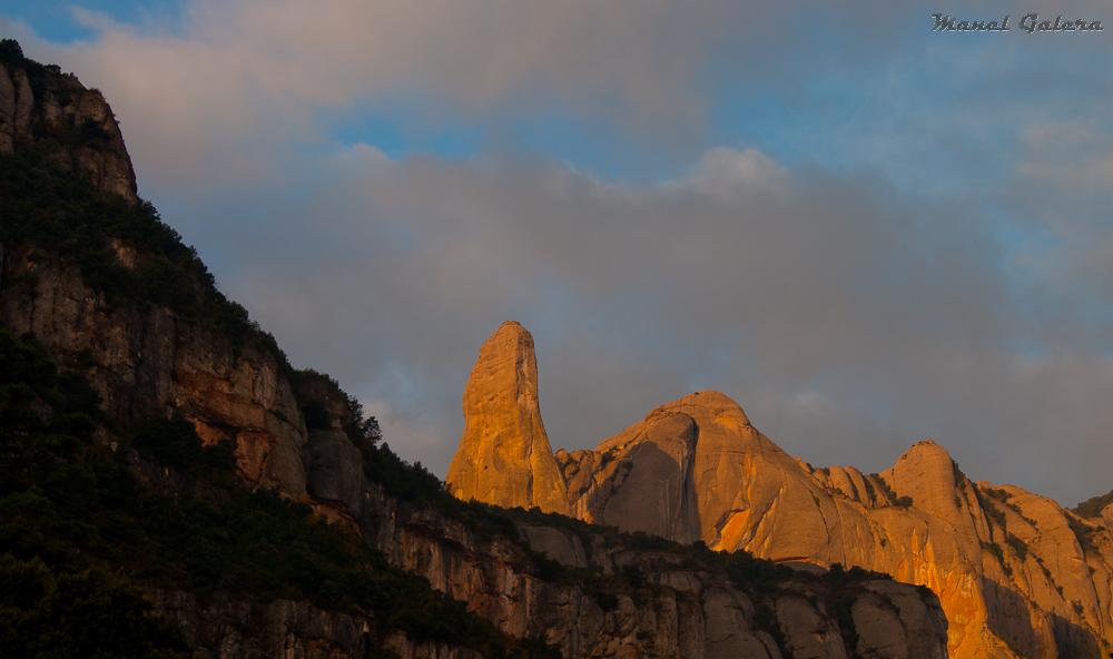 Amanece en Montserrat