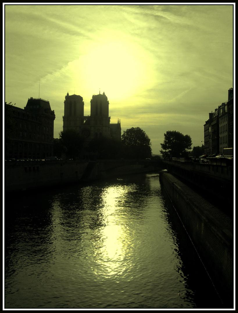 Amanece sobre Notre-Dame