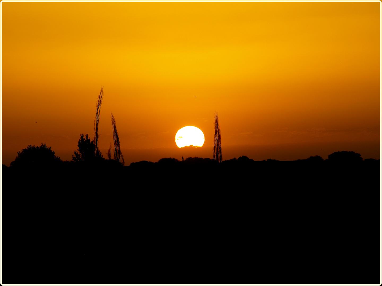 Amanecer caliente (en estos dias del polvo del sahara)