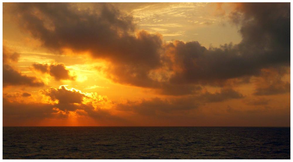 Amanecer en el Golfo II