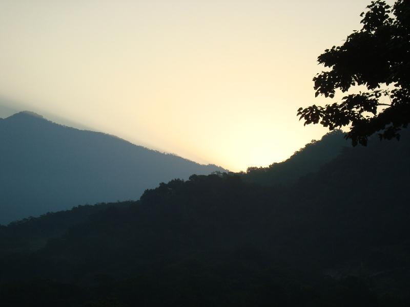 Amanecer en las montañas de Pochuta.