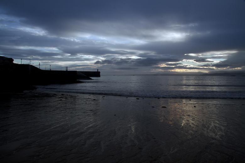 amanecer en playa de luanco
