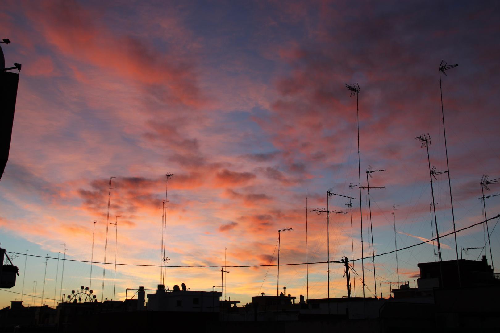 Amanecer redondo. Puerto de Valencia, 6 de Diciembre 2012 8:20 AM
