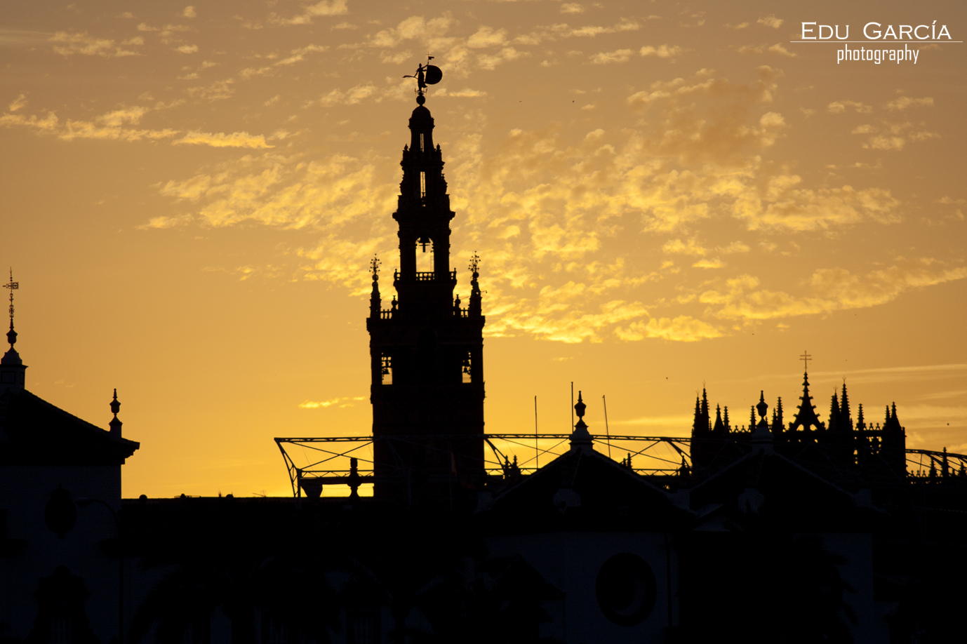 Amaneciendo Sevilla