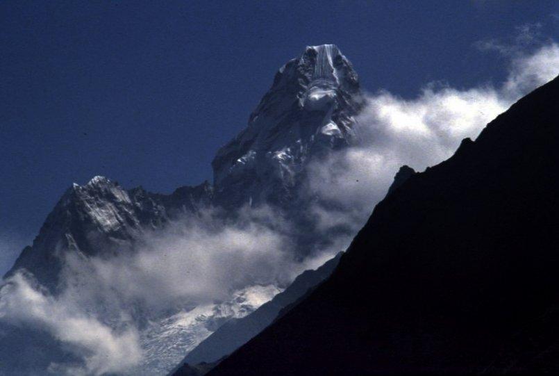 Amay Dablan (Nepal)