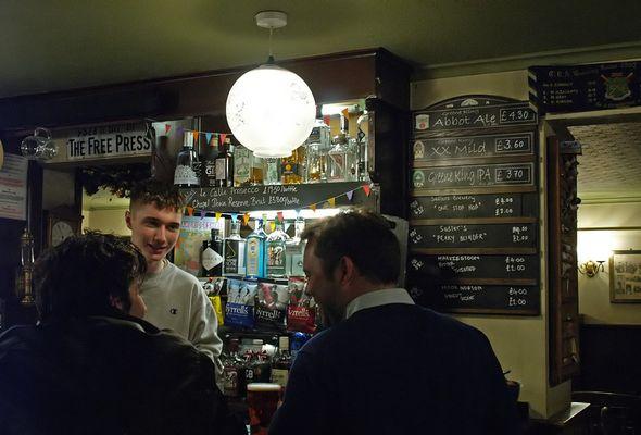 Ambiance pub  --  The Free Press, Cambridge  --  Pub Stimmung