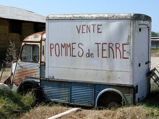 Ambulanter Kartoffelverkauf in der Provence