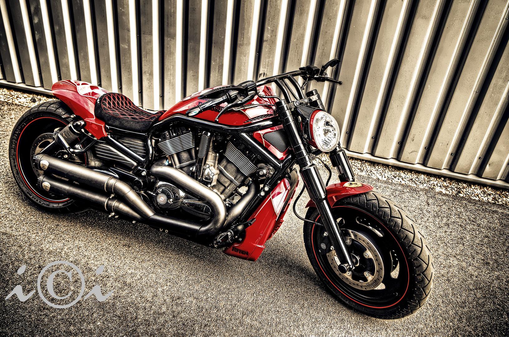 "AMC Harley ""Ferrari"" Special Custom"