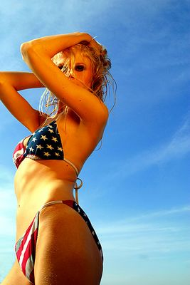 american girl (pitch für bikini kalender)
