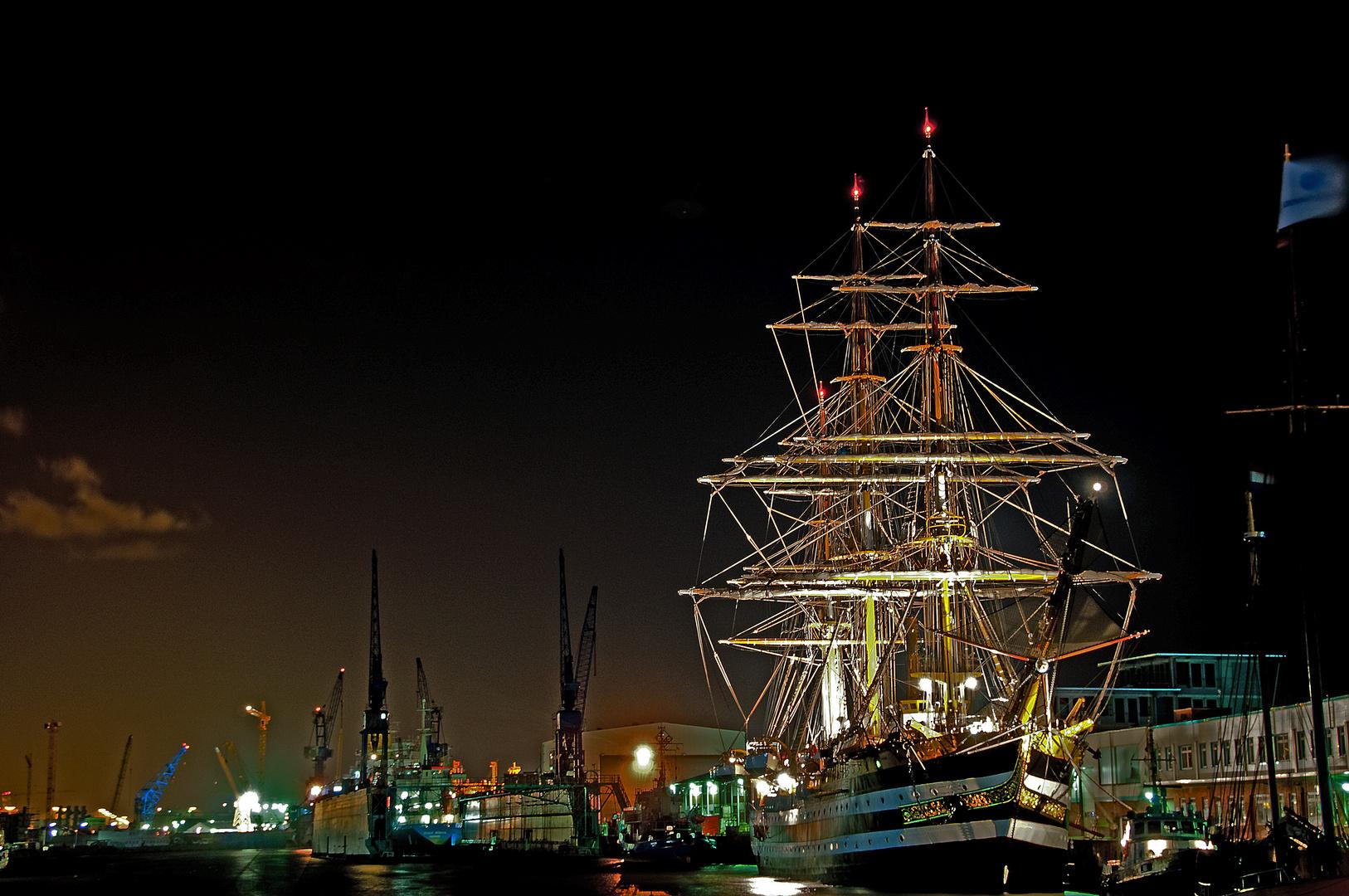 American Vespucci in Bremerhaven bei Nacht - SAIL 2010