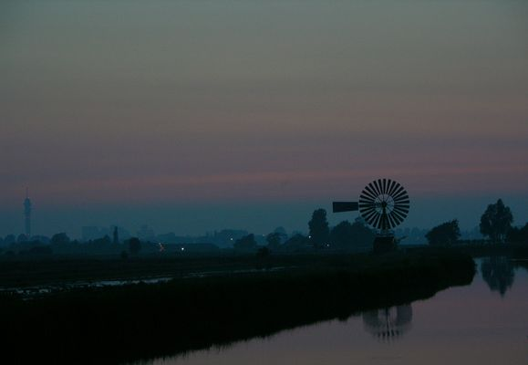 Amerikanische Mühle - Dämmerung in Zaandam