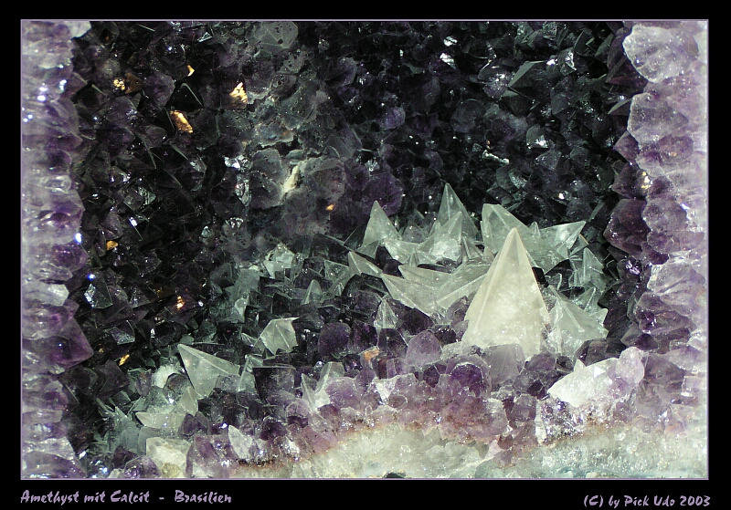 Amethyst mit Calcit  -  Brasilien