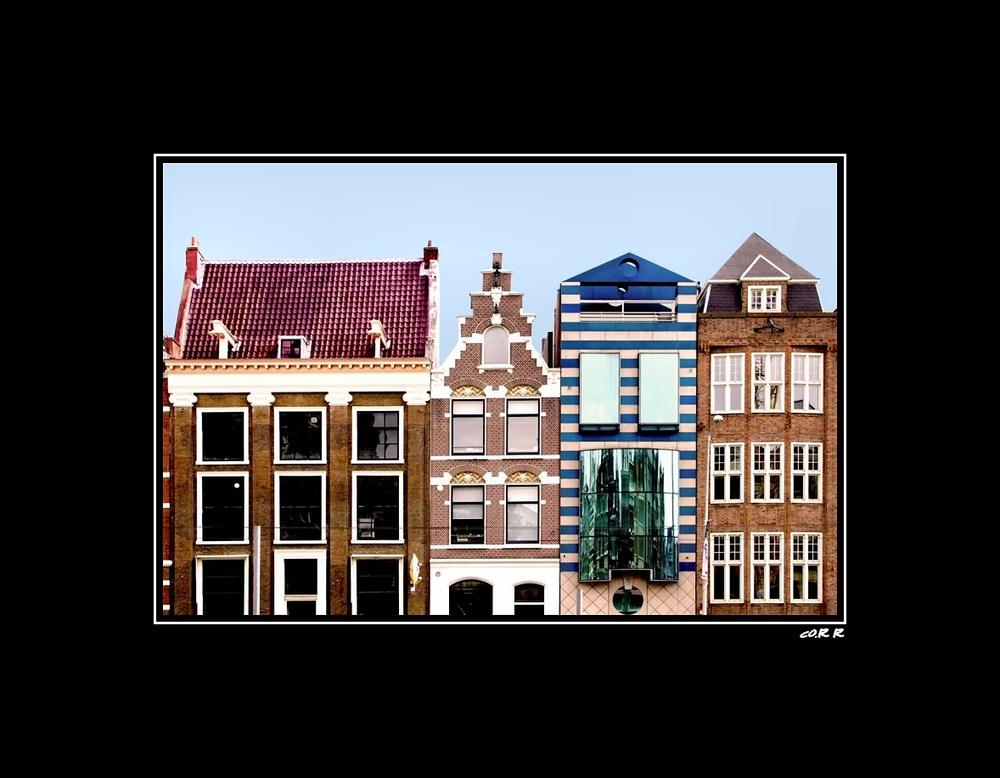 Amsterdam & hellblauer Himmel