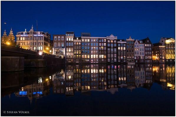 Amsterdam in der blauen Stunde