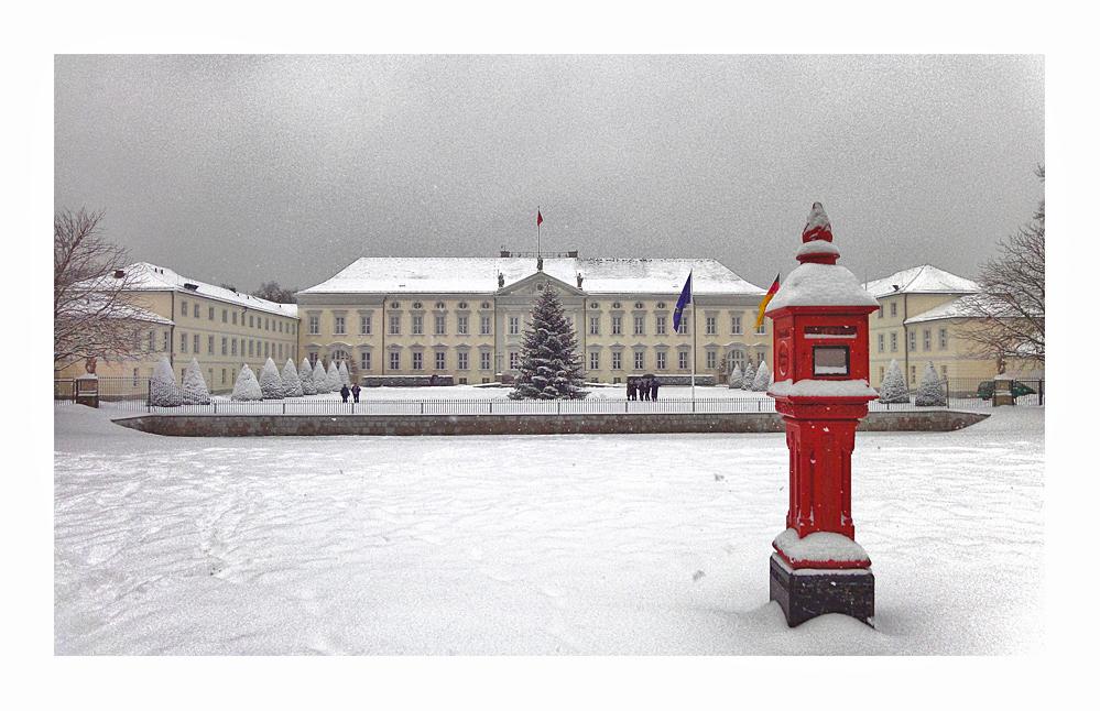 Amtssitz des Bundespräsidenten im Weihnachtslook
