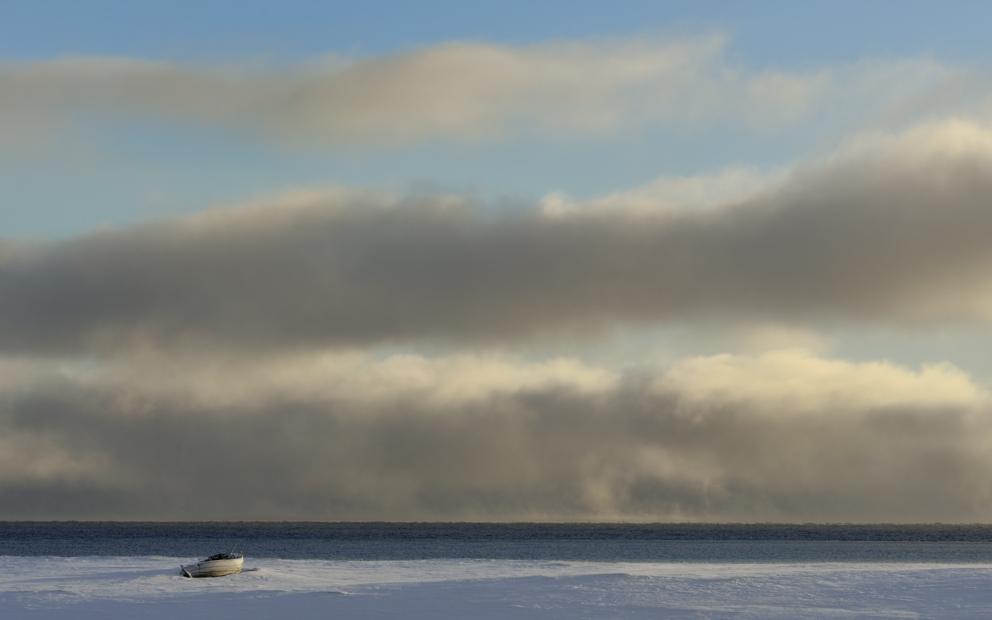 An der Barentsee-Küste in der Nähe von Vadsø, Nordnorwegen, Februar 2013