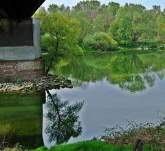 an der Brücke nach Frankreich in Neuenburg am Rhein