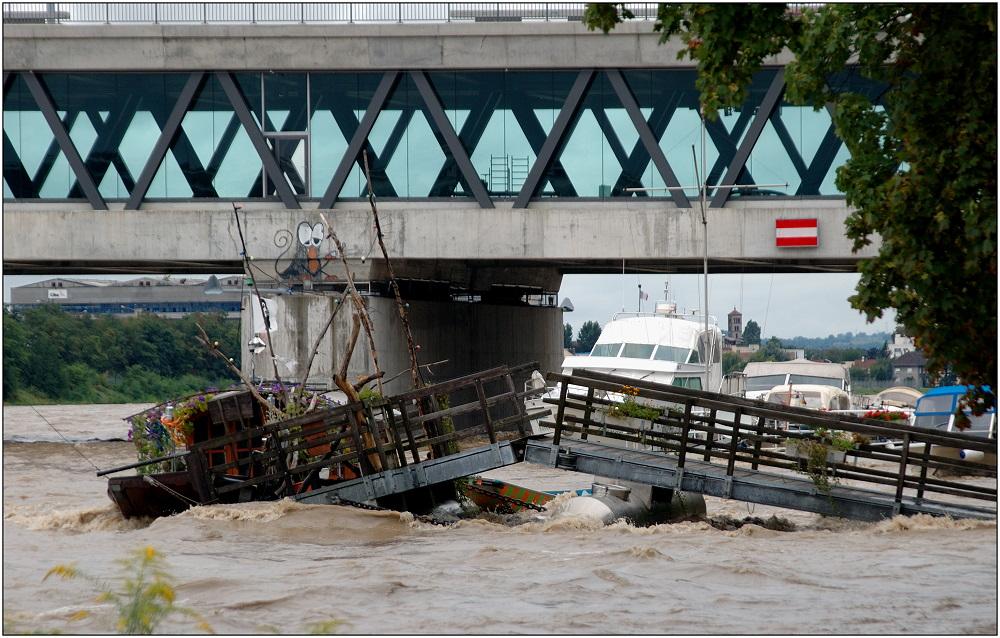 ... an der Dreirosenbrücke ...