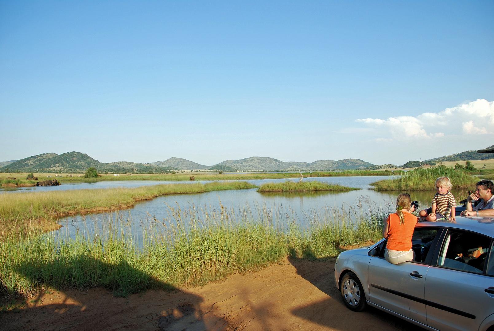 An einem See in Afrika
