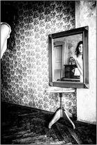 An einem Spiegel kommt kaum jemand vorbei ... ohne zu schauen