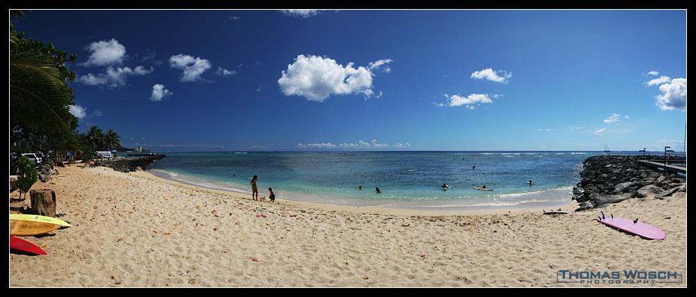 ..an einem Strand auf Hawaii