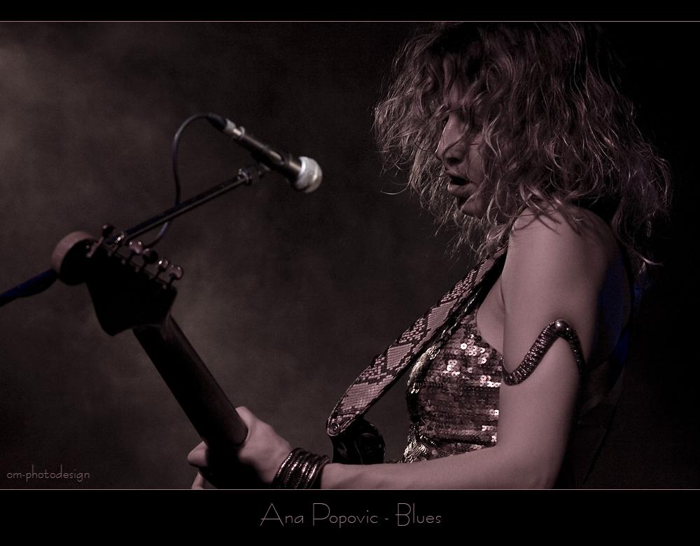 Ana Popovic plays Blues
