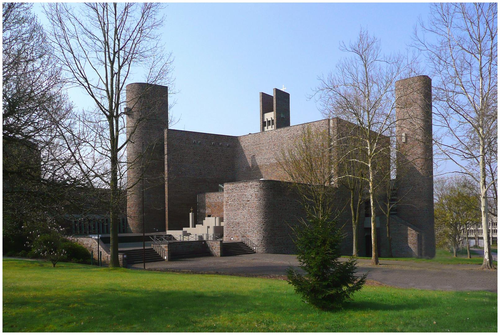 Anbetungskirche der Schönstätter Marienschwestern in Vallendar / Rhein (1)