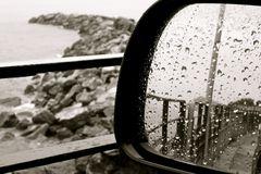 Anche oggi piove