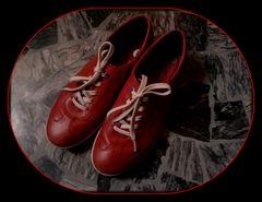 Anch'io posseggo un paio di scarpe rosse...