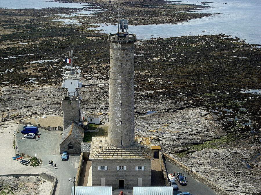 ancien phare de st pierre ( commune de penmar h )