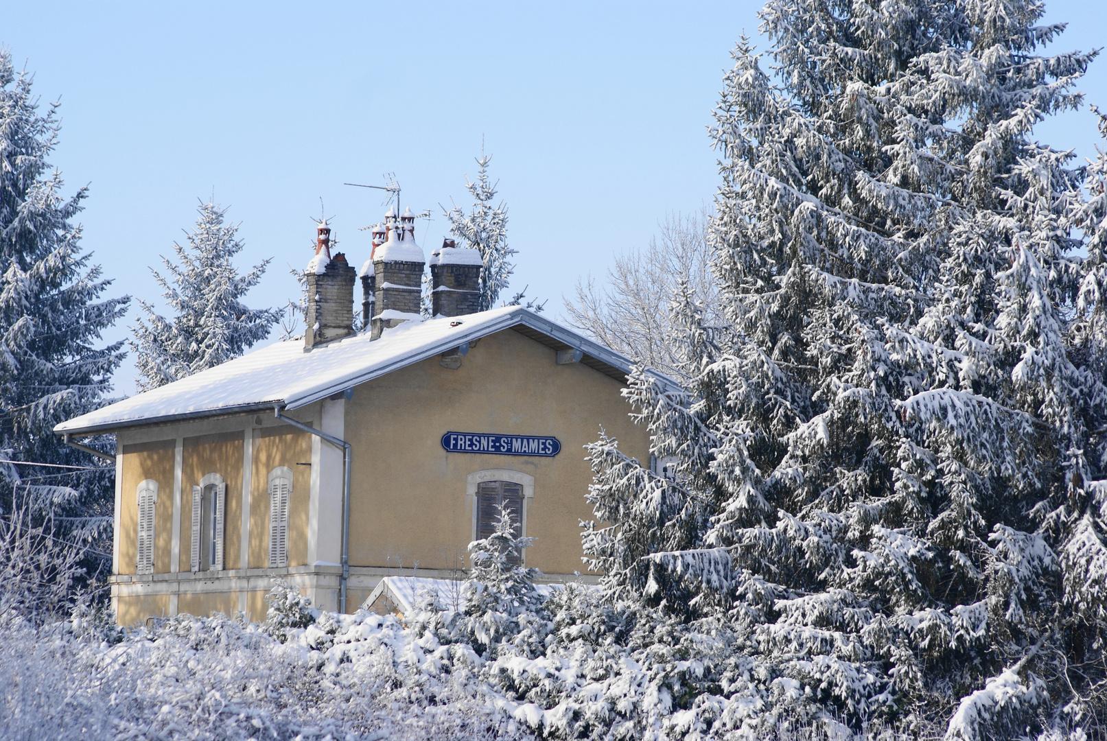 Ancienne de gare de Fresne st Mames