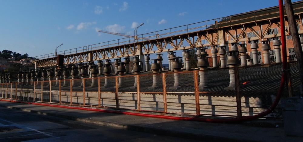 anciennes cheminées du chantier naval la ciotat