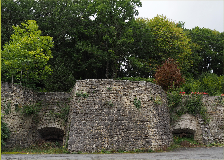 Anciens fours à  Charroux (Vienne)