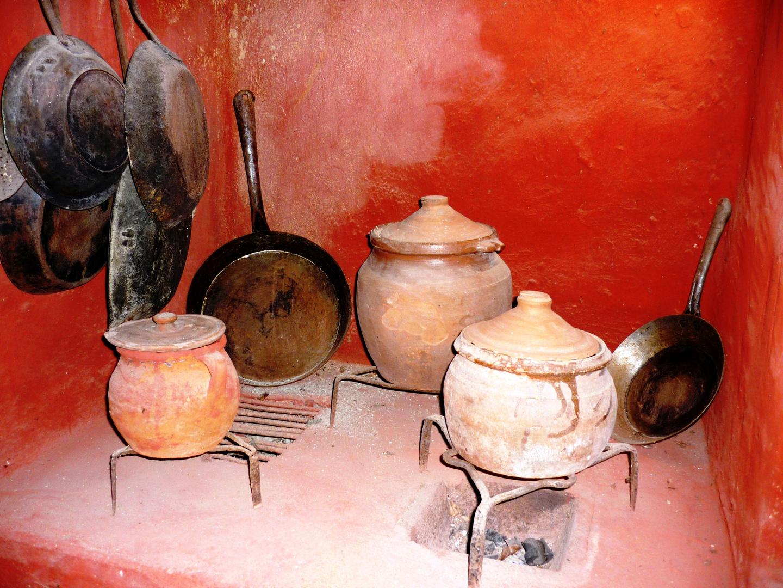 Ancients objets pour cuisiner.