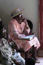 andächtig... Besuch der Church of God in Jamaica (2)