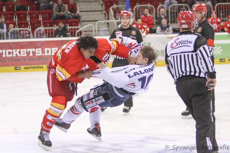 Andreas Martinsen #24 gegen Shawn Lalonde #10